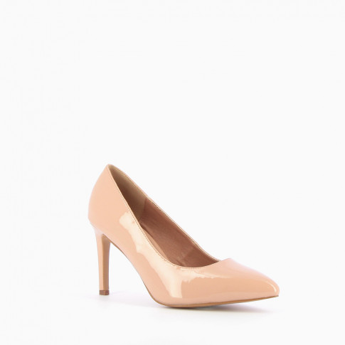 Nude patent pumps with pointed toe