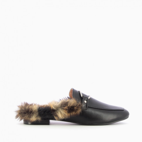 Black faux fur backless loafers