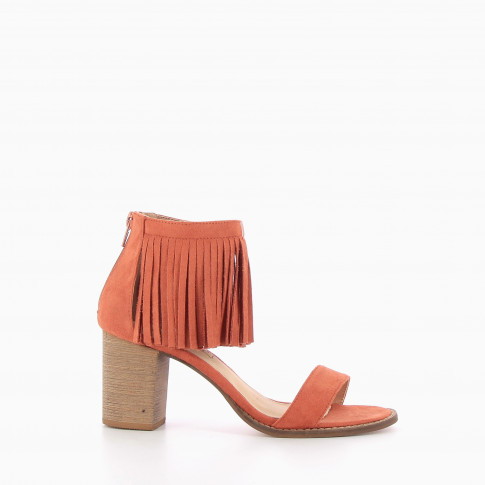 Brick red sandals with fringes