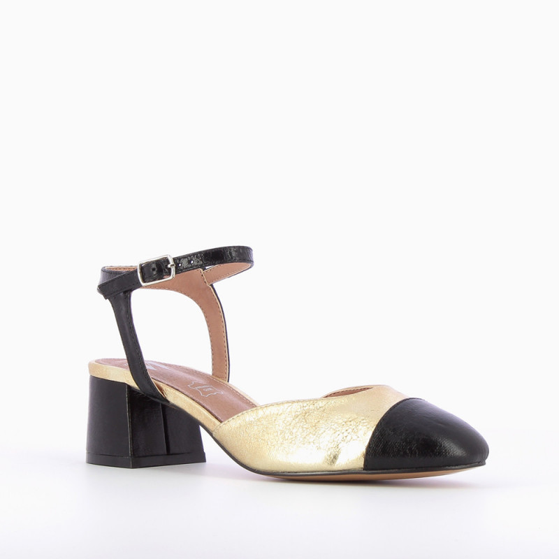 dbcc864da2f3 Gold sandals with textured black toe cap - Vanessa Wu Store