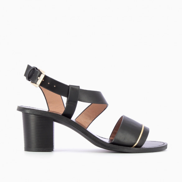 Black sandals with fine gold arch