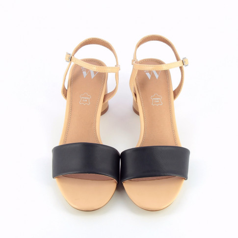 Nude sandals with navy straps