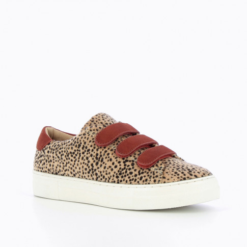 Leopard sneakers with brick-red velcro