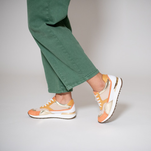 Salmon and gold sneakers with overstitch