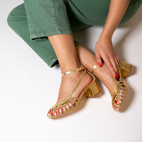 Openwork gold sandals with heel
