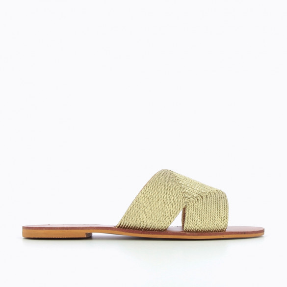 Gold mules with straw effect