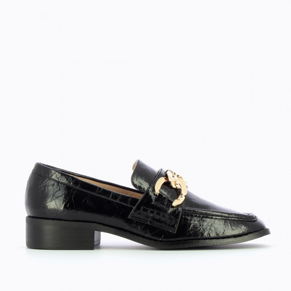 black loafers wrinkled effect with large link gold chain square toe woman Vanessa Wu
