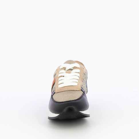 Beige and black sneakers with side stripe