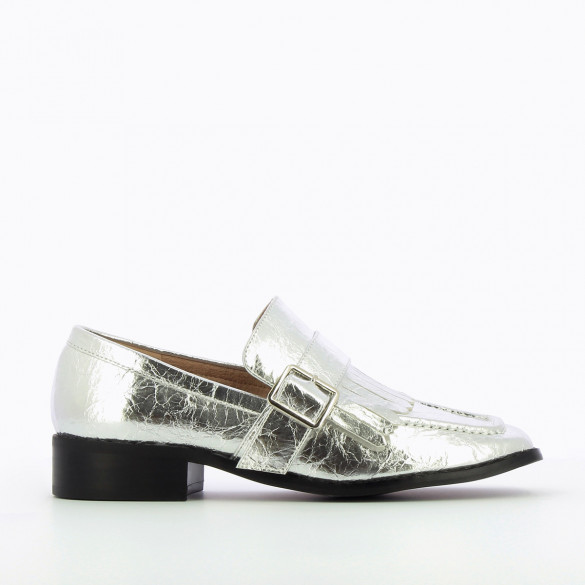 metallic silver loafers Vanessa Wu square toe and fringes wrinkled effect woman and black sole
