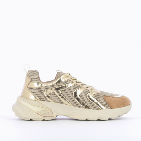 Beige sneakers with gold wavy lines