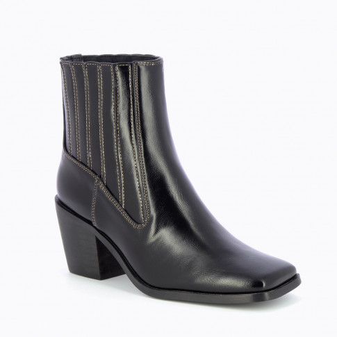 Black ankle boots with contrasting topstitch