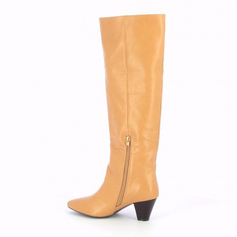 Camel boots with cuban heel