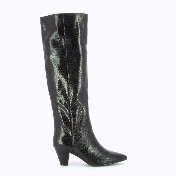 black boots snakeskin print with small heel and pointed toe woman Vanessa Wu