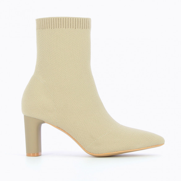 Sand beige knit sock boots with heel Vanessa Wu woman pointed toe