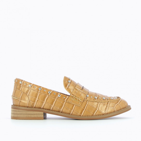 loafers camel crocodile effect woman Vanessa Wu with studs and almond toe