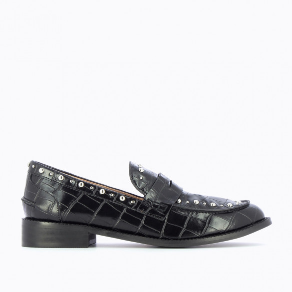 black loafers crocodile effect with silver studs and almond toe woman Vanessa Wu