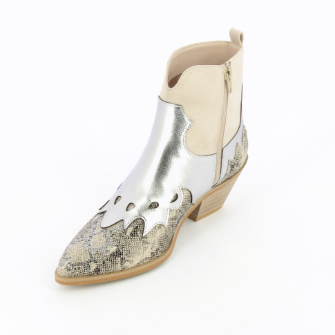 Tricolored snakeskin effect cowboy boots with cool tones