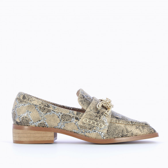 Loafers woman beige snakeskin effect with gold buckles and chains Vanessa Wu with square toe