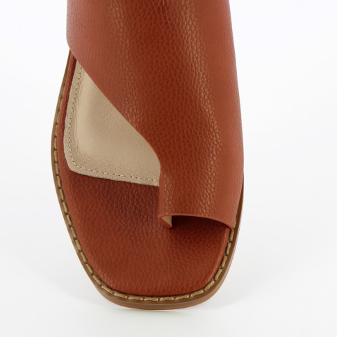 Camel mules with toe loop and round heel