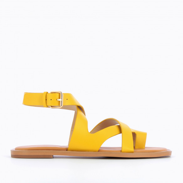 Yellow flat sandals casual with crossed straps and toe loop woman Vanessa Wu