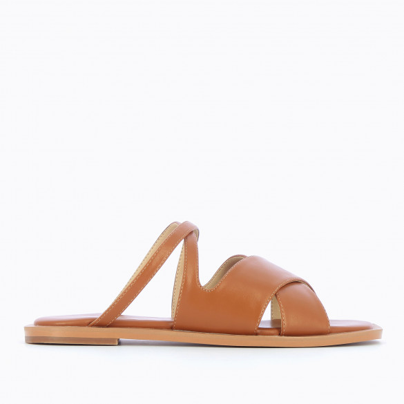 camel flat mules faux leather with crossed straps and padded sole woman Vanessa Wu